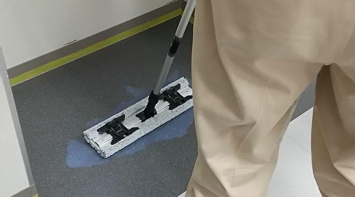 UVコーティング,つや消し,マット,セミグロス,フロアコーティング,床,施工,ワックス